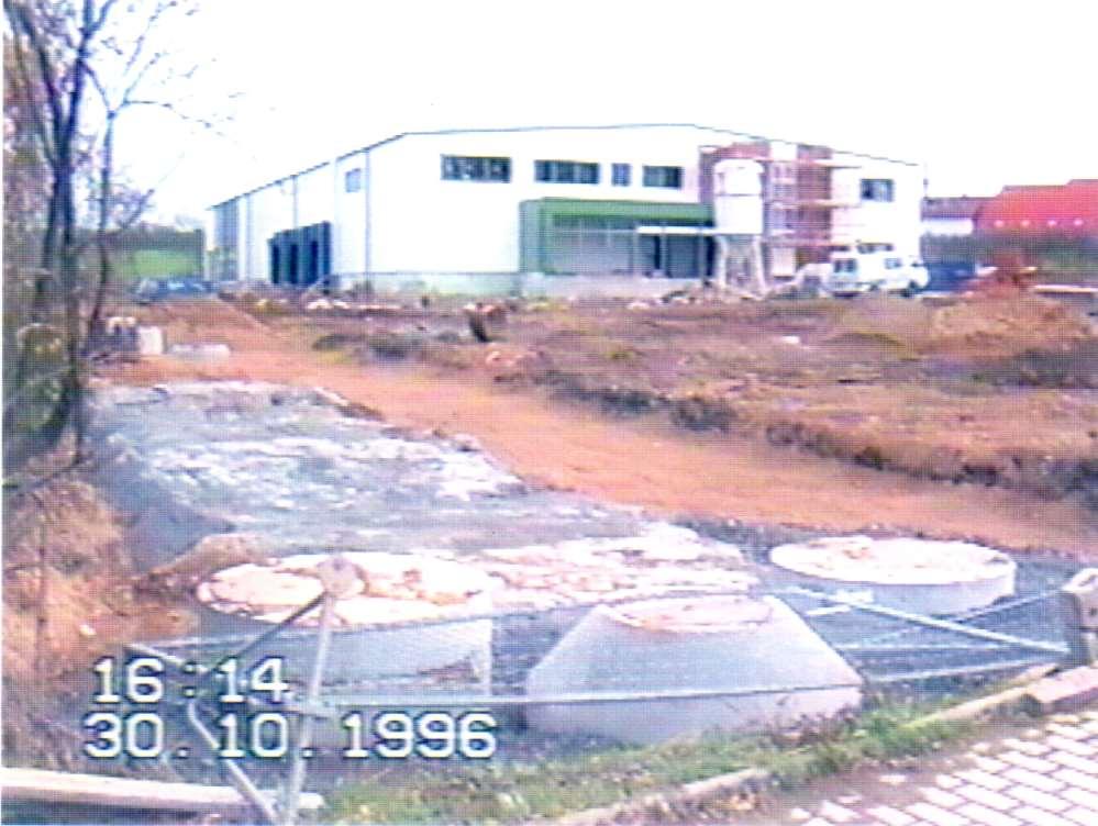 1996 Baubeginn des neuen Produktions- und Logistikzentrums